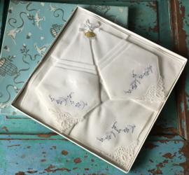 Zwitserse vintage zakdoekjes in doos