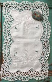 Wit rechthoekig kleedje 35x20,5cm