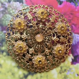 Filigrain bloemetjes broche