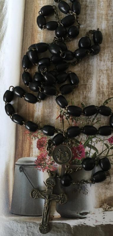 Rozenkrans zwarte kraaltjes