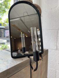 House Vitamin - Spiegel met smal vaasje
