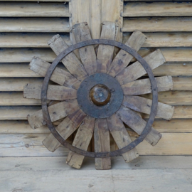 Oud houten spinnewiel