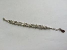 Zilverkleurige armband met Swarovski Look elementen