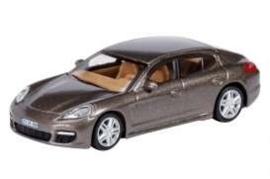 Porsche Panamera brown. Sch26050