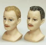Bustekop man met licht bruin haar. HOXY643