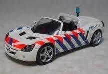 Schuco.Opel Speedster. Politie.