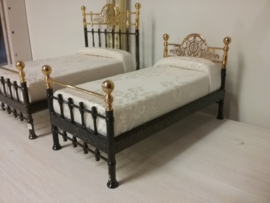 1 person bed R01