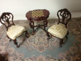 Schaaktafel + 2 stoelen. Mahony