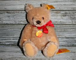 Steiff Bear with squeaker. EAN 001154