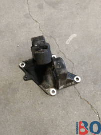Engine mount BX