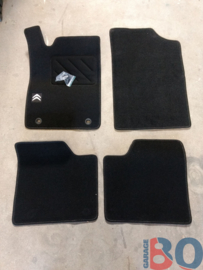 Car mats for a Citroen Xantia modern logo