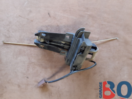 Bonnet opener berline Y4