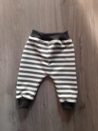 Harembroek grey stripes