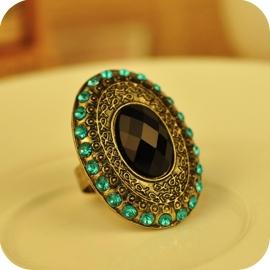 Verstelbare Medaillon Ring met Zwarte Steen & Groen Strass S8566