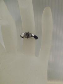 Zwarte Elastiek Ring met Zilveren Kraal S2768