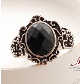 Zilveren Victoriaanse Gothic Lolita Ring met Zwarte Steen S02305  maat 19