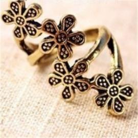 Bronzen Victoriaanse Gothic Lolita Ring met Bloemen S3604