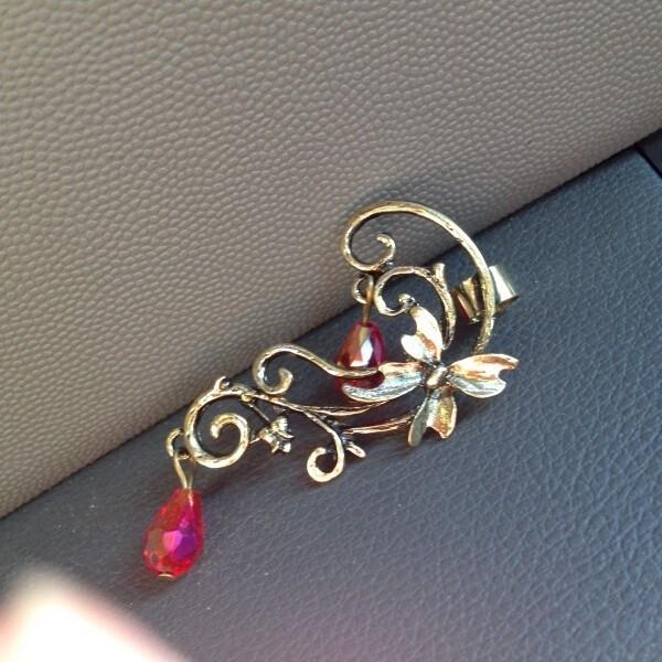 Vintage style Oorschelp Oorbel / Ear Stud Bronzen Vlinder S8244