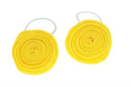 Handgemaakte haarelastiekjes met vilten rozenknop in geel