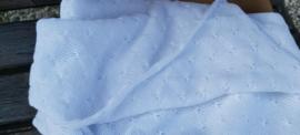 Gebreide katoenen wiegdeken in wit - schelpen