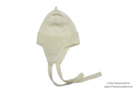 Handgebreide babymuts van biologische merino lamswol