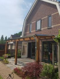 Douglas veranda met glazen dak 6 m breed x 2,5 m diep