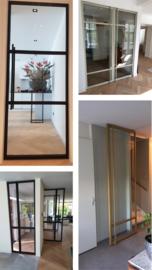 Stalen taatsdeur met glas