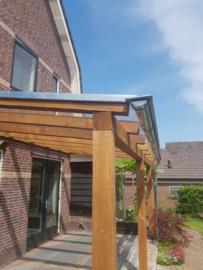 Douglas veranda met glazen dak 4 m breed x 3 m diep