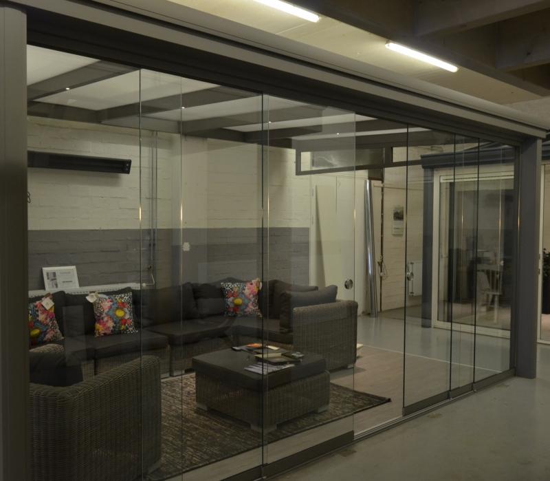 Invigo glazen schuifwand 4 Delig  1,80 m t/m 2,40 m hoog  4,5 m breed