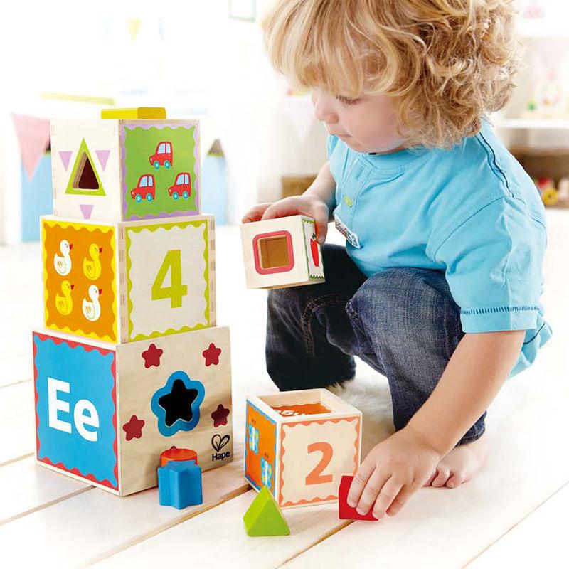Pyramid of Play blokkentoren van Hape