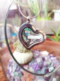 Forever in my heart Locket Satijnspaat (Seleniet)