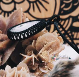 Macrame pendant Pure | kwartskristal