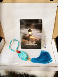 Achteruitkijkspiegel hanger 'Never drive faster' | brievenbus | inclusief verzenden