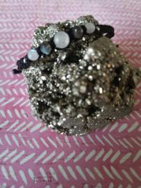 Verstelbare Macramé armband Poli'Ahu | maansteen en labradoriet