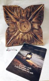 Houten kaarsenplateau PTMD   brievenbus
