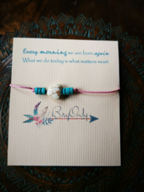 Verstelbare Wish bracelet hart van Howliet en turquoise kralen