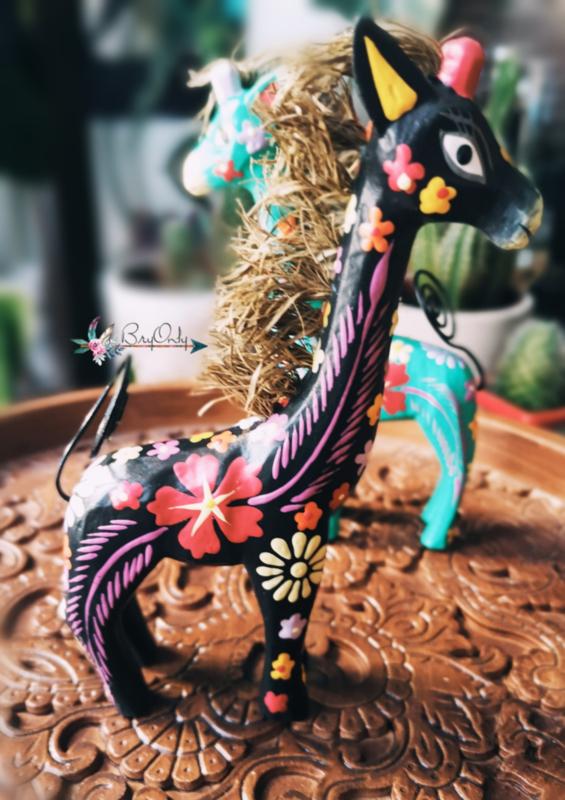 Zwarte handbeschilderde houten giraffe fotohouder