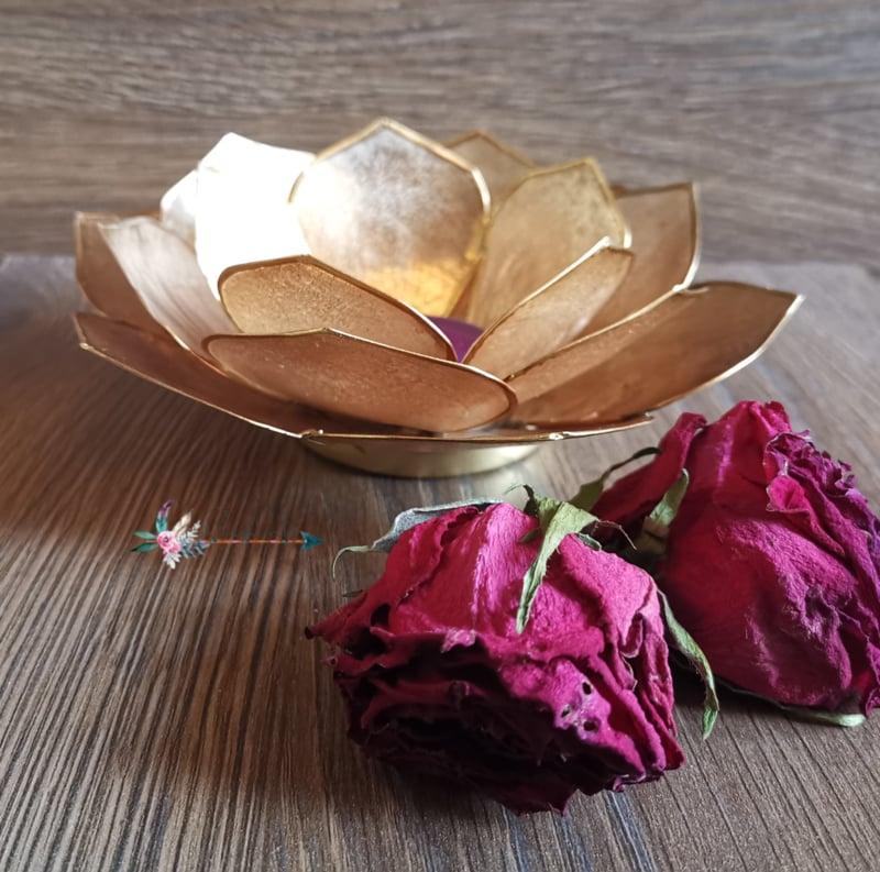 Bladvorm Lotus sfeerlicht goud   gouden rand