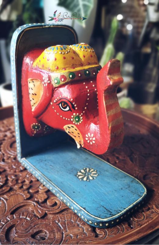 Boekensteunen uit India