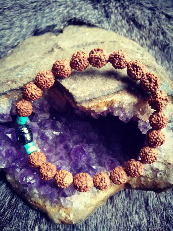 Unieke herenarmband met Rudraksha zaden, Boeddhha en Turquoise kralen 22 cm