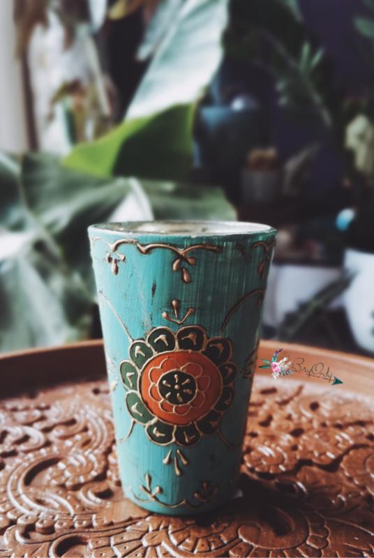 Turquoise glazen theelichthouder uit India met de handbeschilderd