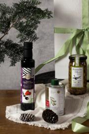 Kerstpakket 250 ml olijfolie met 250 ml Balsamico en 285 gr olijven