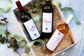 Kerstpakket wijn met Liatiko rood, Vidiano wit en Mikro Mikraki rose