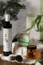 Kerstpakket 500 ml olijfolie , 250 ml wilde tijmhoning en 300 gr Graviera schapenkaas