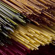 Spaghetti met aubergine, tometen en olijfolie manolakis