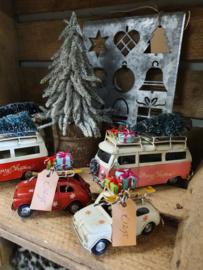 VW busje met kerstboom