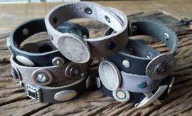 Stoere leren armband (Medium)
