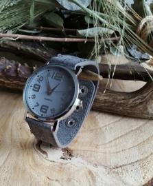 Groot grijs horloge