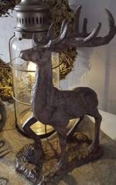 Prachtig staand hert gietijzer
