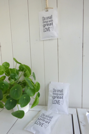 Geursachet Craft wit Do small things with Great Love 6 st.